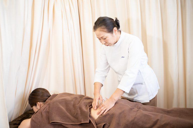 鍼灸施術 女性鍼灸師による施術なら名取中央治療院へ